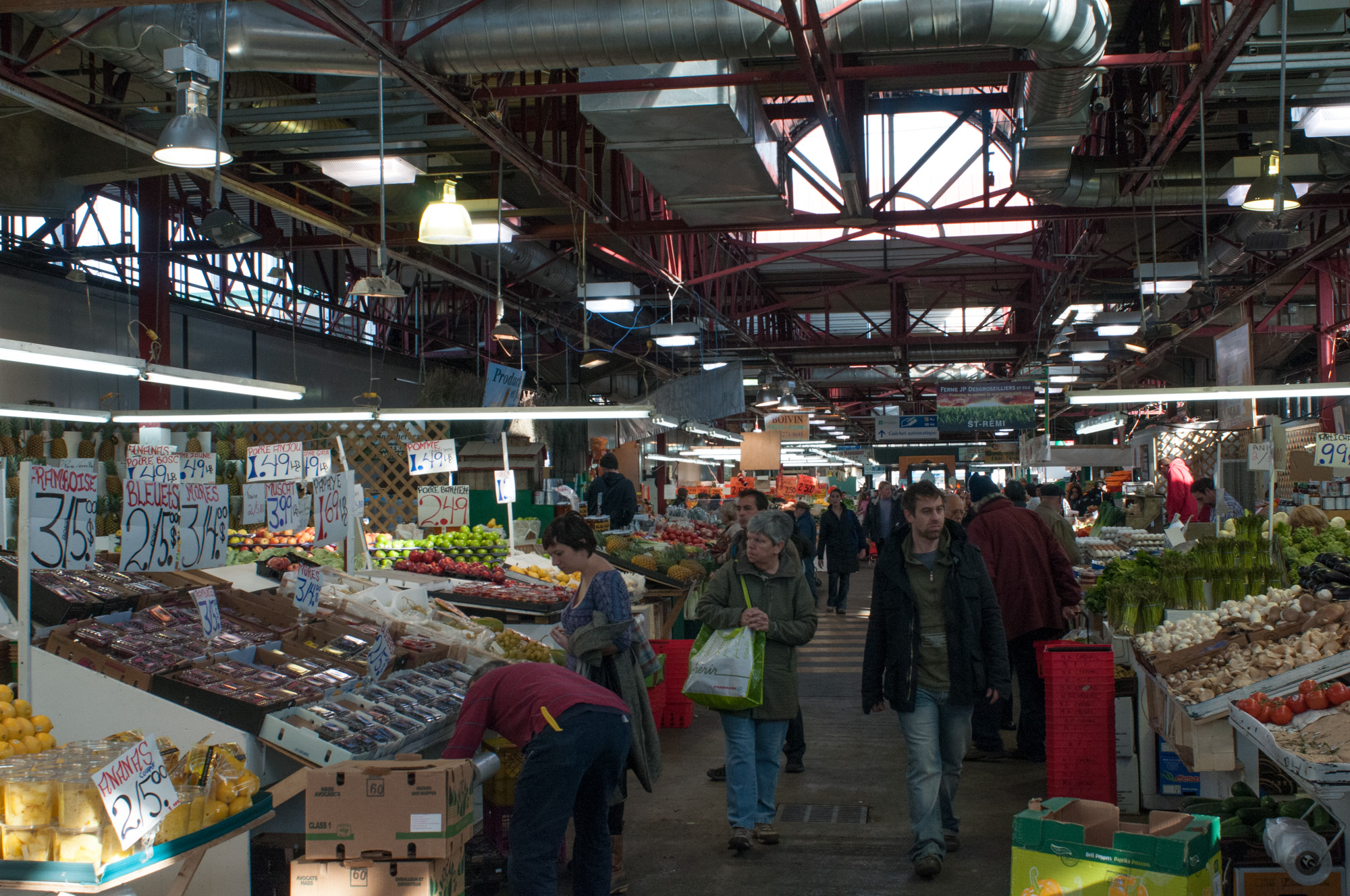 March jean talon montr al jeff mather 39 s dispatches for Meubles montreal jean talon