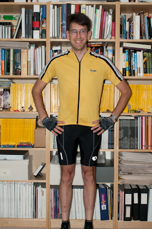 Sleek Jeff in cycling garb